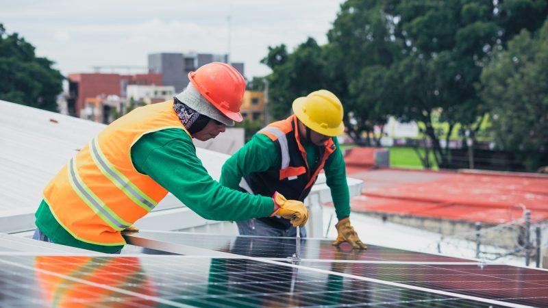 Pourquoi faut-il bien nettoyer ses panneaux photovoltaïques ?